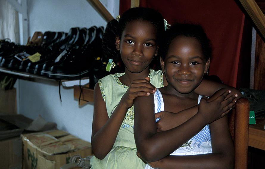 seychelle island sisters
