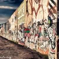 graffiti drawings on wall